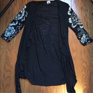 Tops - Black flowy kimono